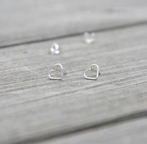 Örhänge lovely mini silver