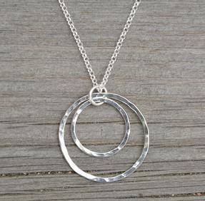 Halsband dubbla cirklar liten silver