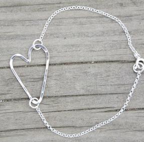Armband hamrat hjärta silver